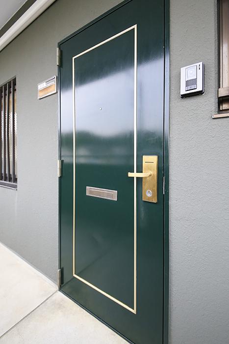 【TOMEI BASE】303号室_玄関ドア_MG_1839