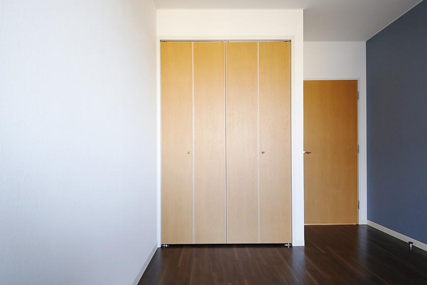 【ガレージハウスCUBE】A1_三階_洋室(9.1帖)_クローゼット収納_MG_8660