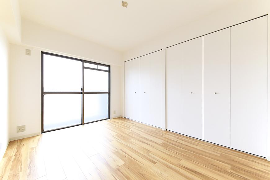 【TOMEI BASE】303号室_LDK_ベッドルーム_MG_2152