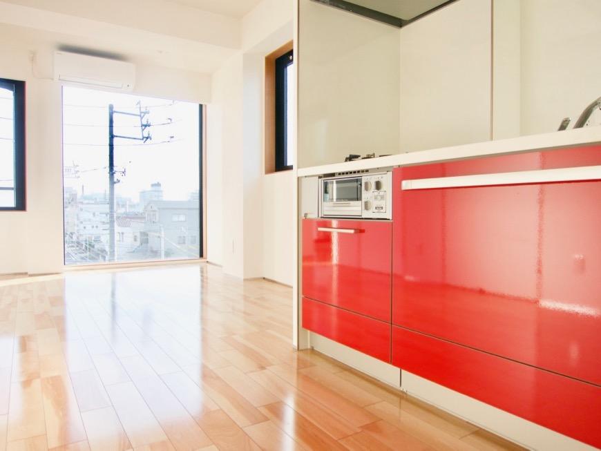 Room) AZUR JOSAI 4B  11帖のLDK キッチンからの眺め。12