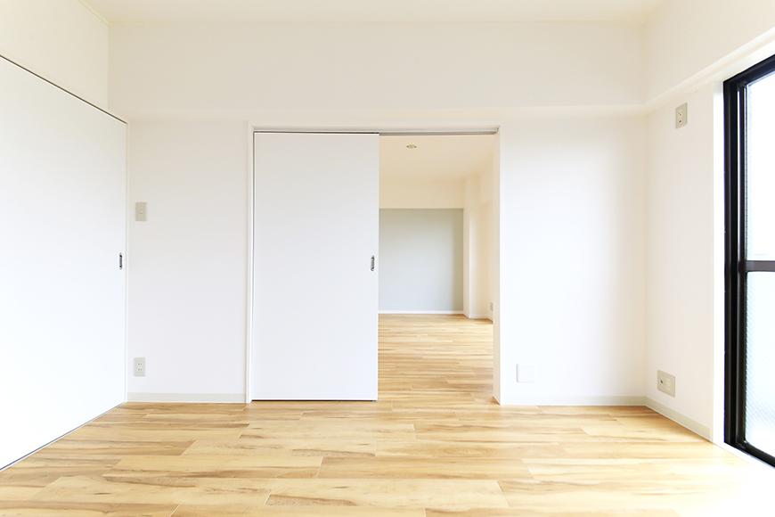 【TOMEI BASE】303号室_LDK_ベッドルーム_MG_2139s