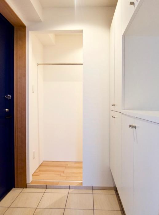 Room) AZUR JOSAI 4B  ウォークインクローゼット入り口。21