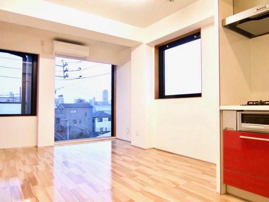 Room) AZUR JOSAI 4B  11帖のLDK  キッチンからの眺め。42
