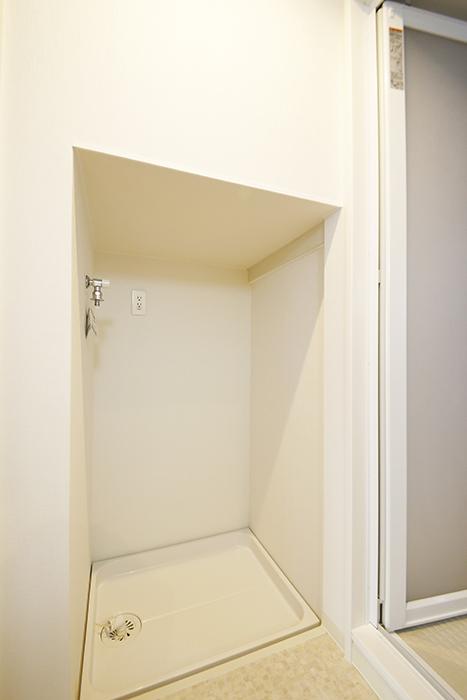 【ガレージハウスCUBE】B2_2階_水周り_室内洗濯機置き場_MG_0771