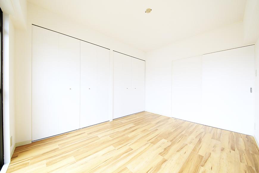 【TOMEI BASE】303号室_LDK_ベッドルーム_MG_2154