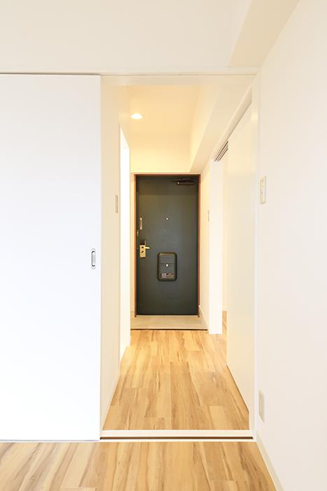 【TOMEI BASE】303号室_LDK_ベッドルーム_MG_2188