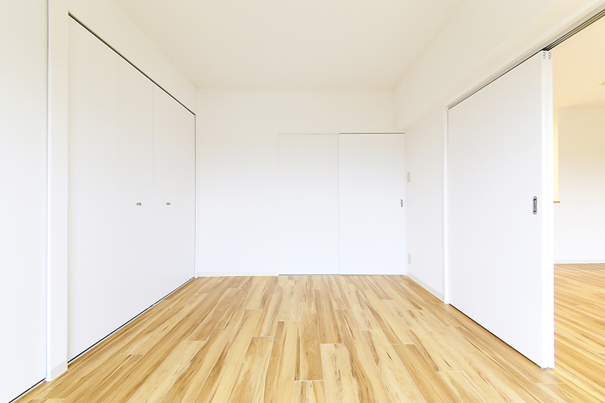 【TOMEI BASE】303号室_LDK_ベッドルーム_MG_2132