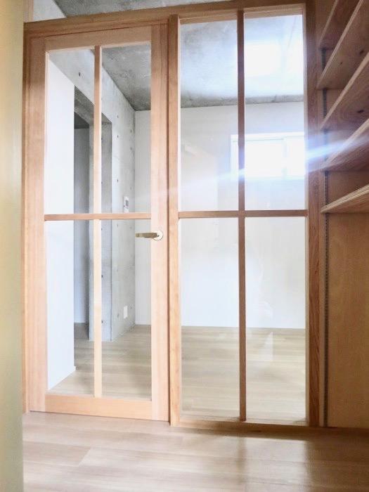 白壁ふたば荘 Atype A号室 木製の扉が柔らかなお部屋。