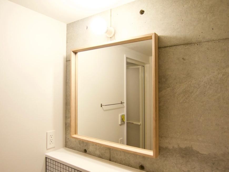 白壁ふたば荘 Atype/Ctype 共通サニタリールーム サイズ感がすごくいい鏡。