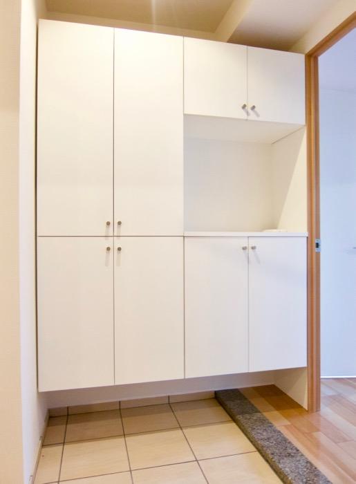 Room) AZUR JOSAI 4B  ディスプレイもできる玄関シューズボックス。22