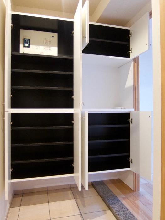 Room) AZUR JOSAI 4B  たくさん収納できるシューズボックス。23