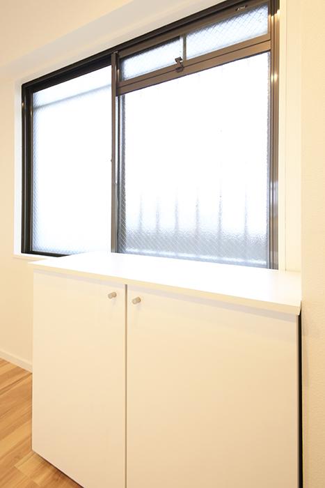 【TOMEI BASE】303号室_LDK_キッチン周り_MG_2039