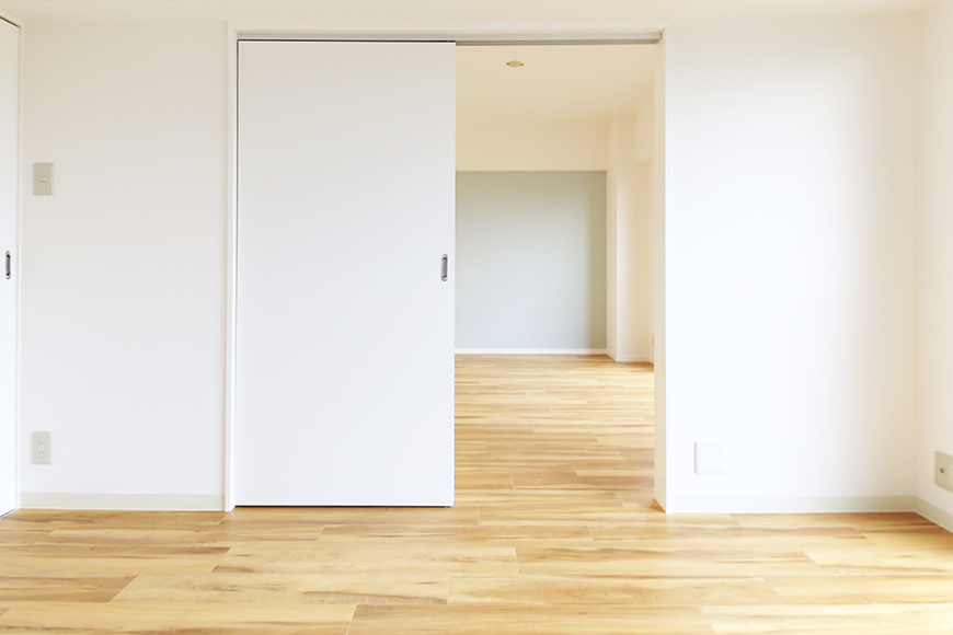 【TOMEI BASE】303号室_LDK_ベッドルーム_MG_2136s