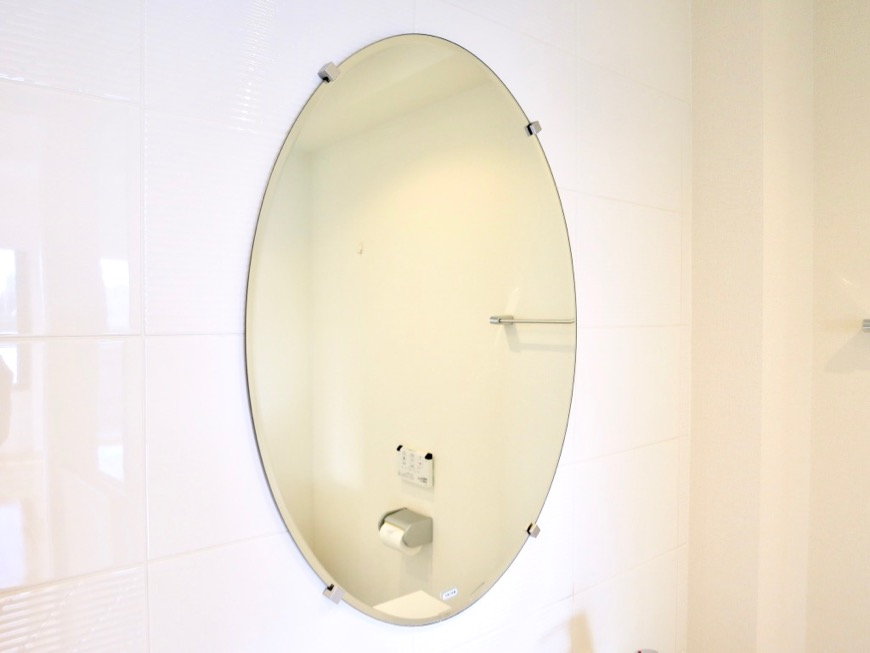 Room) AZUR JOSAI 4B  上品な楕円形の鏡。サニタリールーム。47