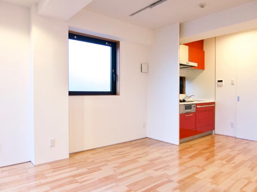 Room: N) AZUR JOSAI 4B  11帖のLDK 透明感のあるお部屋。4