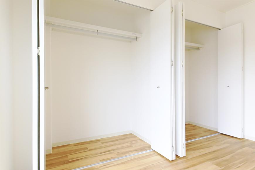 【TOMEI BASE】303号室_LDK_ベッドルームの収納_MG_2168