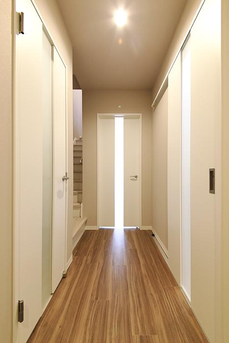 【ブランシェ・ア・ミュー】B号室_一階_廊下_MG_2800