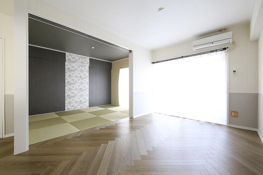 【キャッスル東栄】B棟_302号室_LDK&和室の仕切りを開けると開放感!_MG_2496