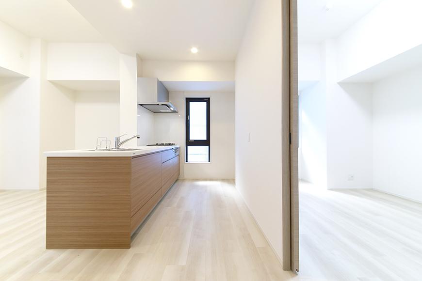 【リベルタカリーノ】301号室_LDK_キッチン周り_MG_6532