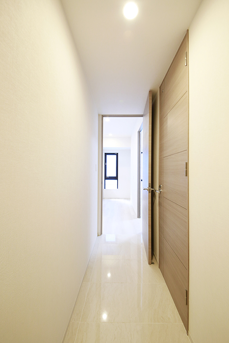 【リベルタカリーノ】301号室_廊下_MG_6443