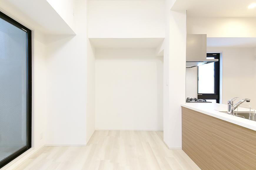 【リベルタカリーノ】301号室_LDK_キッチン周り_MG_6644