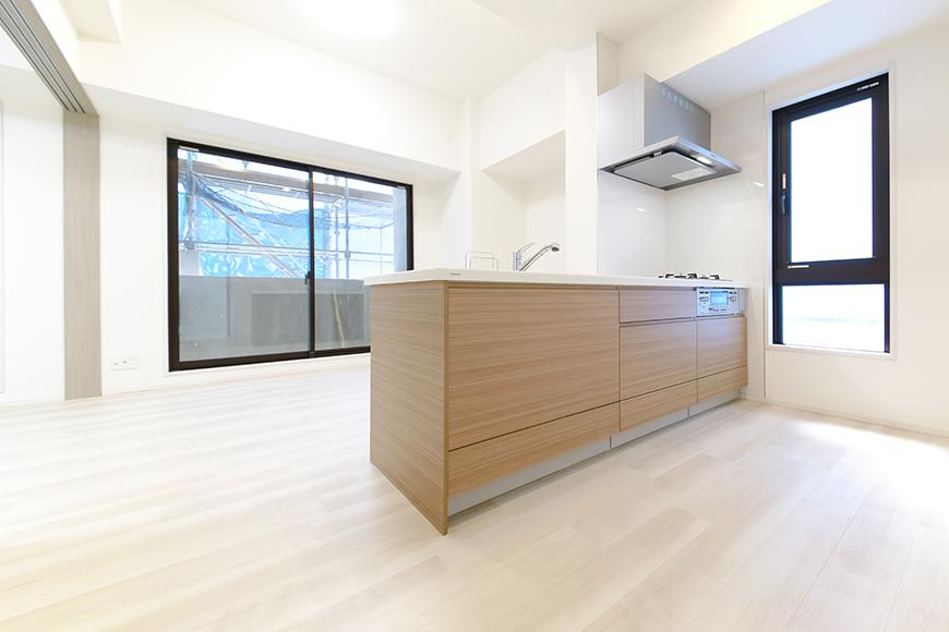 【リベルタカリーノ】301号室_LDK_キッチン周り_MG_6546