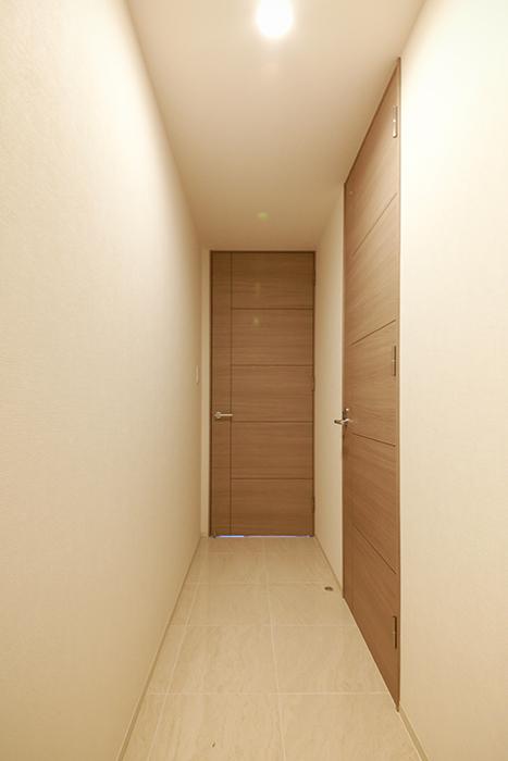 【リベルタカリーノ】301号室_廊下_MG_6440