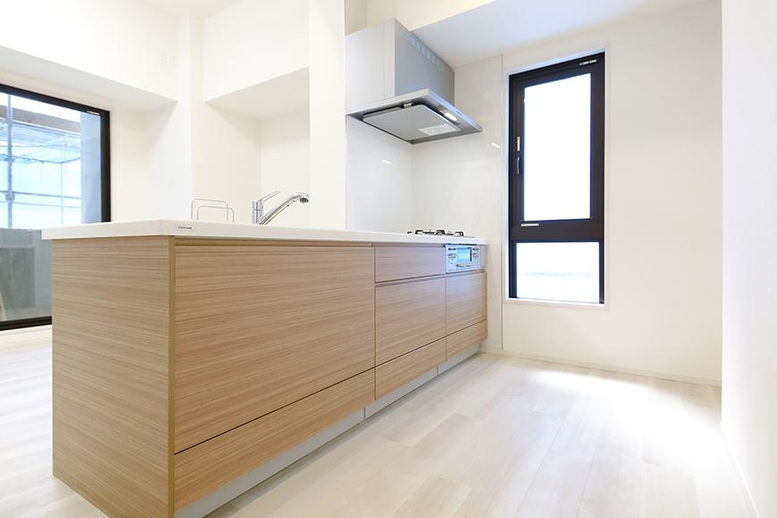 【リベルタカリーノ】301号室_LDK_キッチン周り_MG_6551
