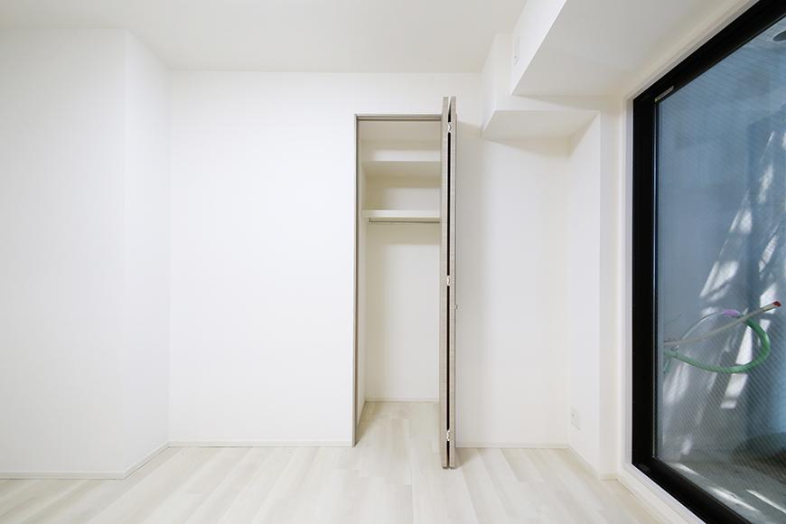 【リベルタカリーノ】301号室_洋室1_クローゼット収納_MG_6719