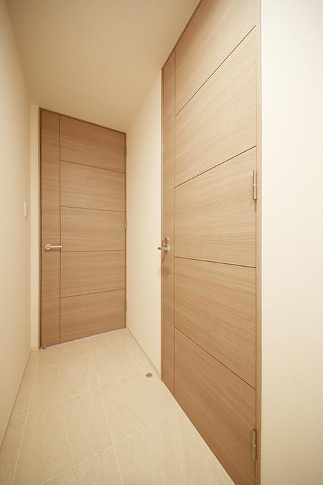 【リベルタカリーノ】301号室_廊下_MG_6447