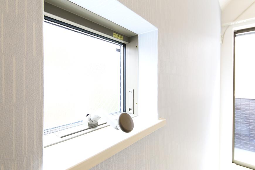 【アンペルハイム本星崎】1A号室_洋室の窓_MG_6955