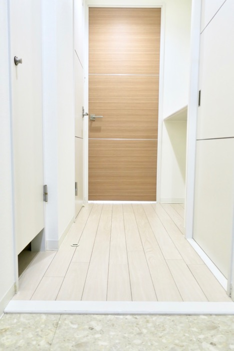 柔らかい雰囲気の玄関&廊下。 MARUNOUCHI SQUARE (丸の内スクエア)0