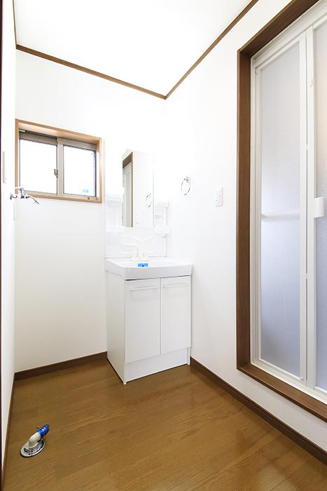 【J-Style枇杷島B棟】F号室_サニタリールーム(水周り)全景_MG_4205