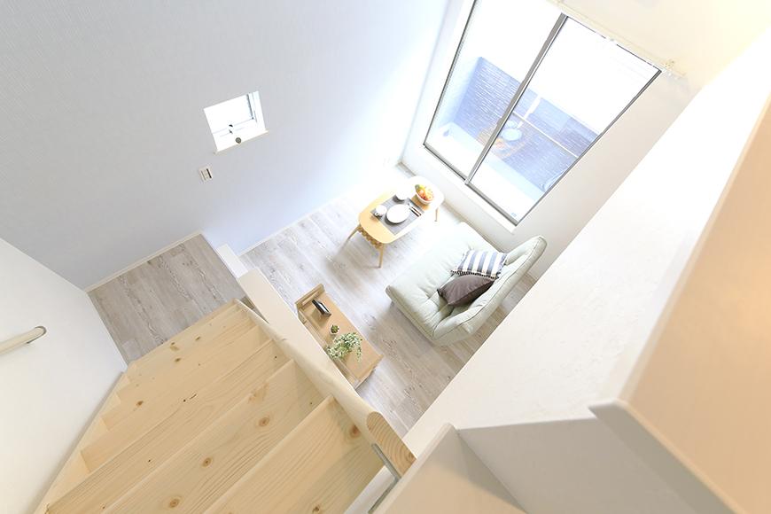 【アンペルハイム本星崎】1A号室_洋室からロフトへの階段・眺望_MG_6941