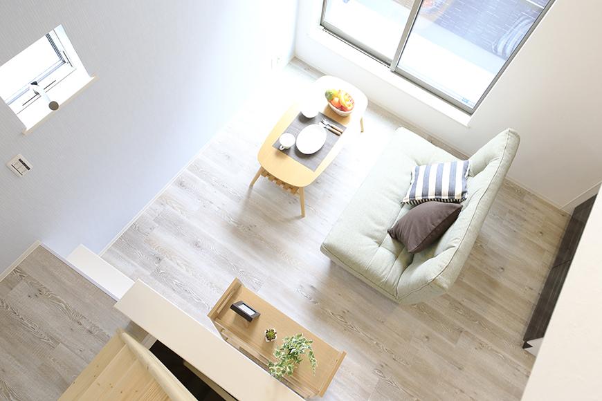 【アンペルハイム本星崎】1A号室_洋室からロフトへの階段・眺望_MG_6951