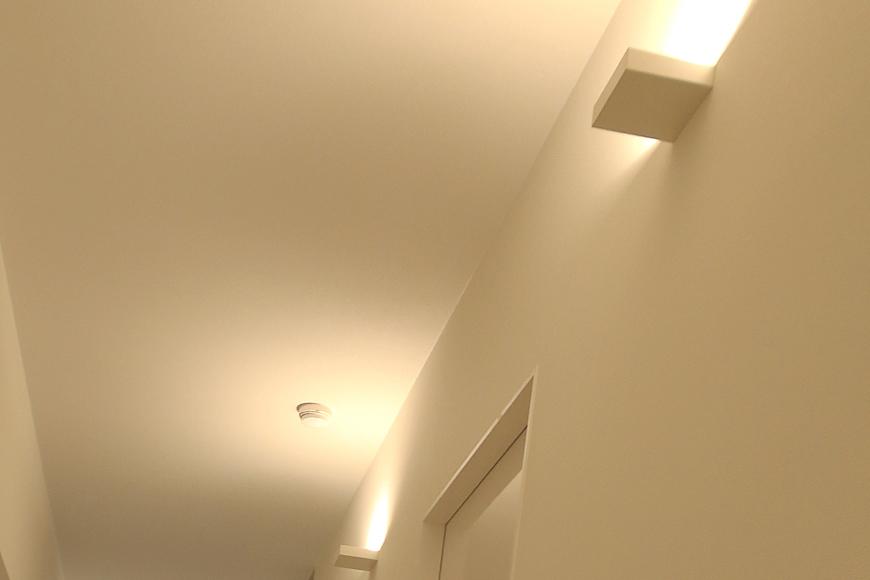 【FLATS GAZERY】401号室_廊下の間接照明_MG_9954