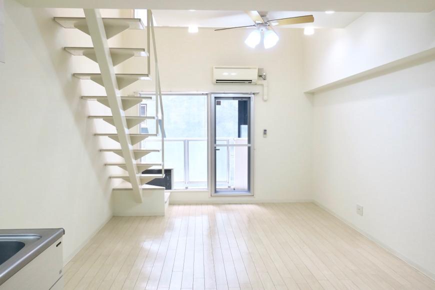 フレンチホワイトなお部屋。13.2帖のLDK。 MARUNOUCHI SQUARE (丸の内スクエア)2