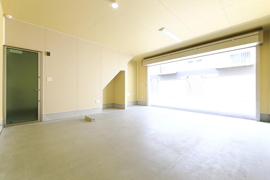 【J-Style枇杷島B棟】F号室_ガレージ内観_全景_MG_3946