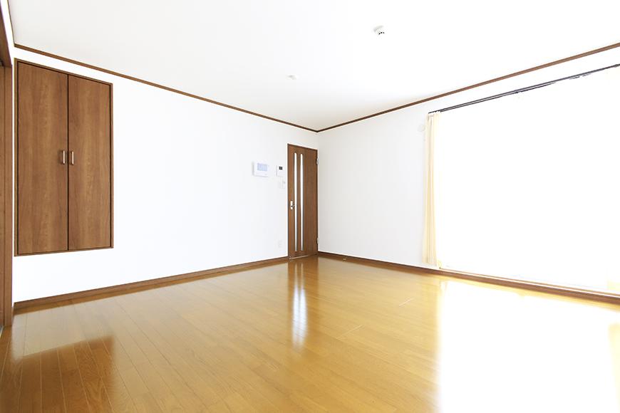 【J-Style枇杷島B棟】F号室_リビング_全景_MG_4182