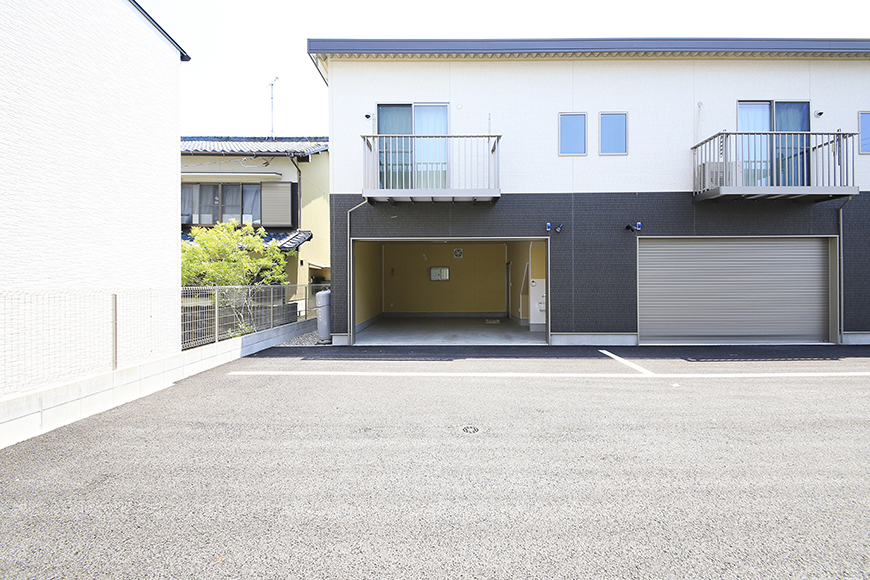 【J-Style枇杷島B棟】F号室_ガレージ外観_MG_3874