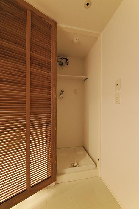 【FLATS GAZERY】403号室_サニタリールーム(水周り)_室内洗濯機置き場_MG_9038