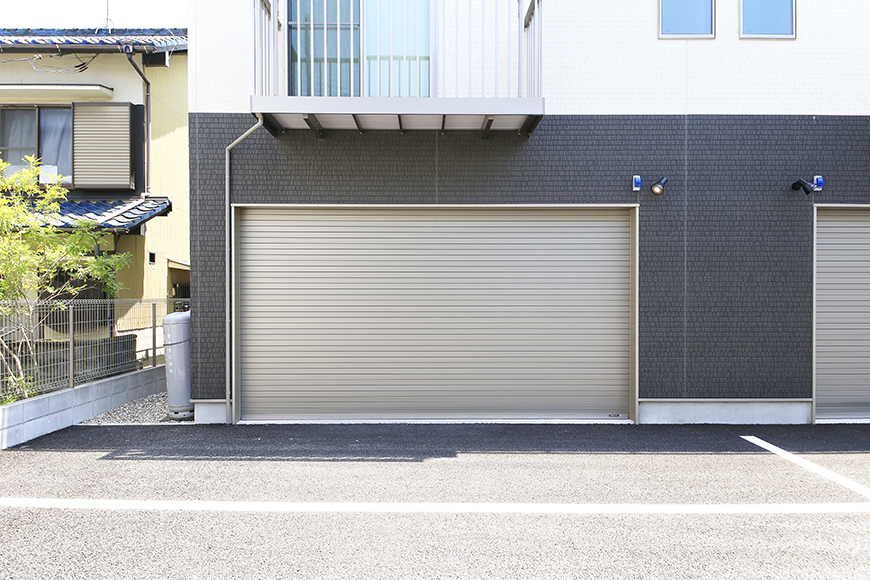 【J-Style枇杷島B棟】F号室_ガレージ外観_MG_3978