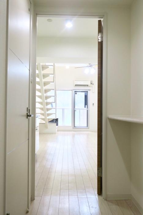 玄関からお部屋の奥へ。 MARUNOUCHI SQUARE (丸の内スクエア)2