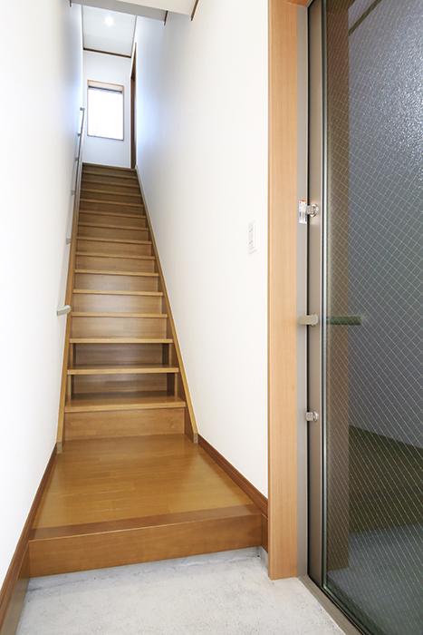 【J-Style枇杷島B棟】F号室_玄関周り_MG_4065