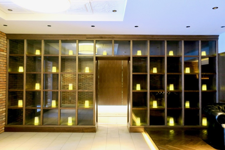 外観。N.Yモダン建築が凝縮された美しいエントランス。N APARTMENT (N アパートメント)1