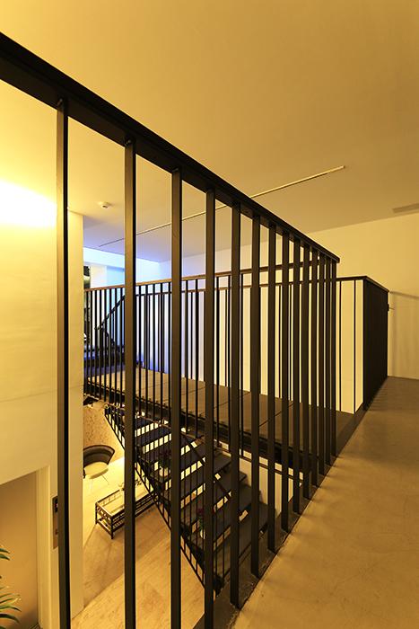 【FLATS GAZERY】2階_渡り廊下_MG_0291
