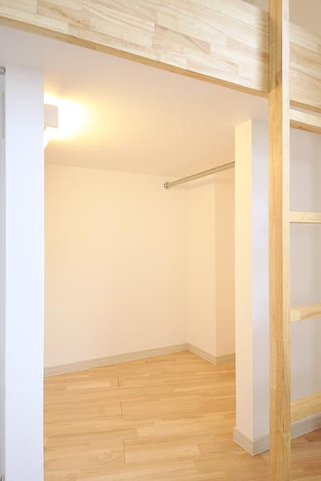 【Maisorie車道】_ロフト下部スペースはクローゼット_MG_6727
