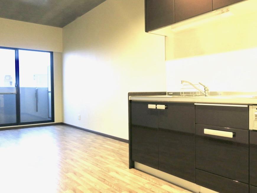 13.1帖のLDK ヴィンテージオークの床がかっこいい。N APARTMENT (N アパートメント 901号室)12
