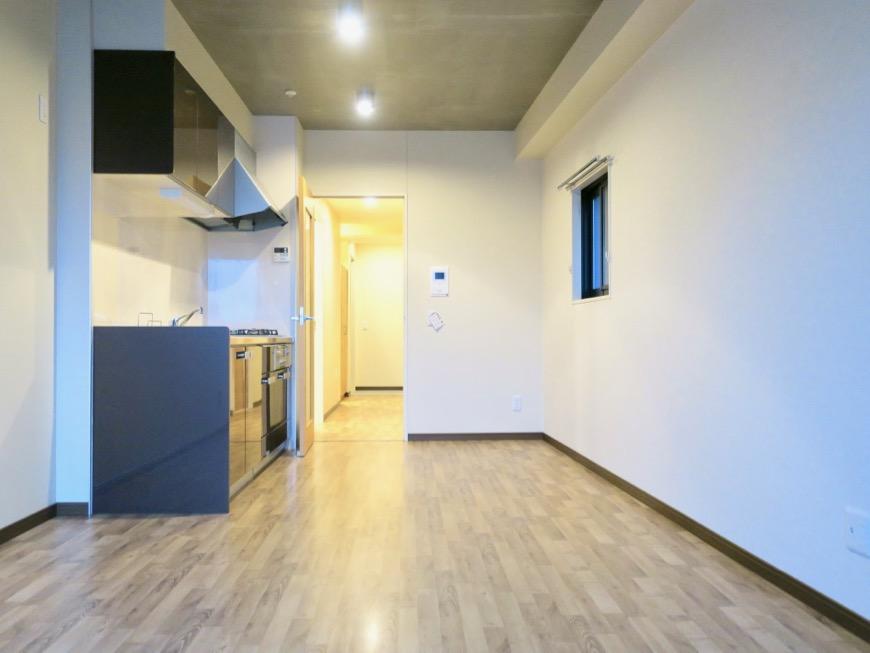 13.1帖のLDK ヴィンテージオークの床がかっこいい。N APARTMENT (N アパートメント 901号室)3