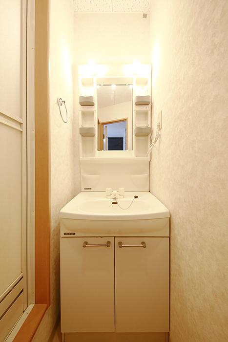 【NEXTAGE B】205号室_サニタリールーム(水周り)_独立洗面台_MG_0323